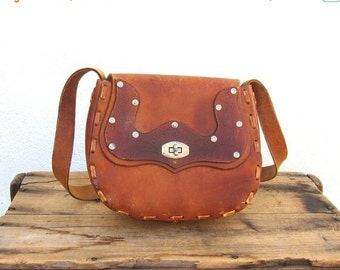 15% Off Out Of Town SALE Vintage Floral and Silver Stud Tooled Tan Leather Satchel Handbag Purse