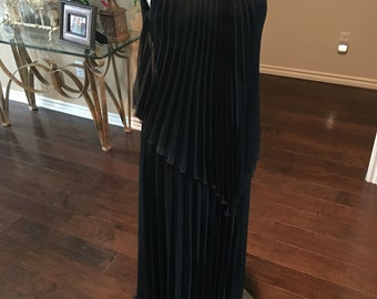 70s Accordian pleat dress / 1970s Black dress / accordian pleat dress / size m l