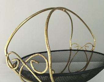 Rustic metal basket, wire basket, vintage basket, vintage metal basket