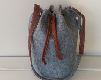 Handbag- Bucket Bag - Felt and Leather