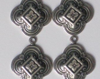"""15 x 15 mm """"Fancy Clover Drop""""  Trinity Brass Antiqued Silver Patina  (Qty 4)    115-06-AS"""