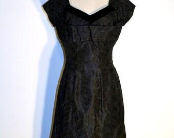 SUMMER HEAT SALE Vintage 1950s Taffeta Dress - 50s Cocktail Dress - Black Taffeta and Velvet