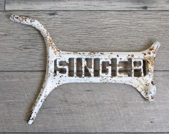 Vintage Singer Sewing Machine Cast Iron PIece - Treadle Machine Name Plate