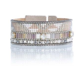 Statement cuff bracelet - wide cuff - native american pattern in pale pink - beadweaving bracelet - beadloom bracelet - statement jewelry