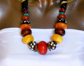 NLO1691: Sanaga Chunky Beads Contemporary Statement Necklace Carved Spiral Long Horn Batik Beads
