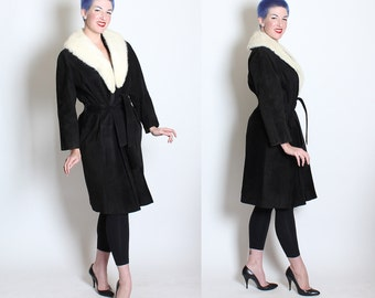 LUXURIOUS 1950's Inky Black Suede Leather Fit n' Flare Hourglass Coat w/ Large White Mink Fur Shawl Collar & Matching Tie Belt - Size S M L