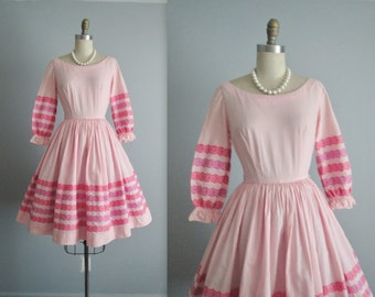 50's Gingham Dress // Vintage 1950's Pink Embroidered Gingham Cotton Full Summer Dress XS