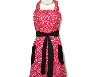 Classic Apron for women, Hot Pink flowers, Black Ties and pockets, bridal shower gift, mother's day, optional monogram, gifts for mom, cute