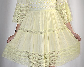Vintage 1960s Soft Yellow Cotton Pin Tuck Daisy Trim Inset Lace Mexican Mini Dress 38 Inch Bust