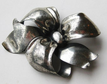 Large Vintage 40s Sterling Silver Monet Tied up in Knots Ribbon Bow Pin Brooch