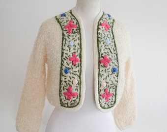 1950s Cream bouclé wool embroidered cardigan / 50s knit bolero - S