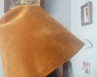 Vintage Camel Colored Bucket Hat Winter Hat Ladies Made in Italy 1960s Mod