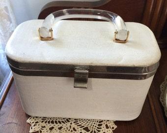 Vintage 60s Lucite Handle Box Purse Handbag / Distressed White Vinyl w/ Psychedelic Fabric Inside