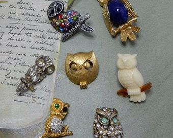 Lot of 7 Vintage OWL Mini Rhinestone Brooch Pins TRIFARI    NCP33