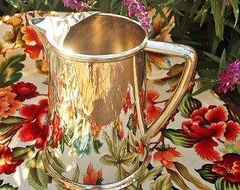 Beautiful and Big Reed & Barton Silverplated Pitcher 96 ounces Wonderful Art Deco Lines 1940