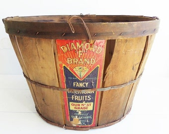 Vintage Shaved Wood  Bushel Basket,  Farmhouse Produce Basket, Vintage Produce Labels, Michigan Fancy Fruit Basket