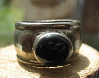 Large Vintage Sterling Silver Women's Ring with Oval Black Onyx Stone Size 8