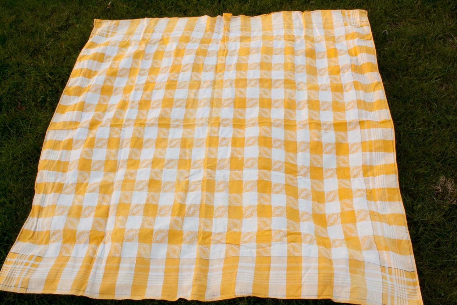yellow plaid table cloth 50x50 picnic check vintage small. Black Bedroom Furniture Sets. Home Design Ideas