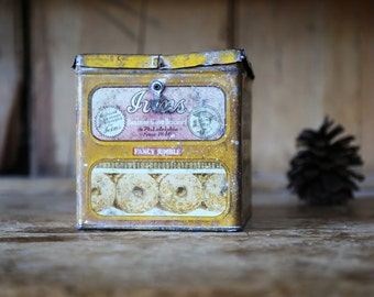 Vintage Ivins Tin Box / Fancy Jumble Cookie Bakery Philadelphia / Rustic Home Decor Storage