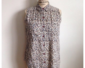Vintage 1990s floral buttoned sleeveless top