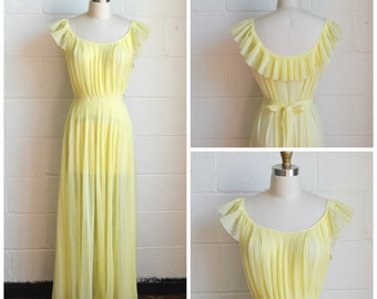 Vintage 1950s Nightgown Yellow Pleated Gown Ruffle Collar Vanity Fair Size Small or Medium