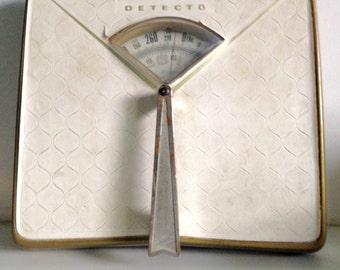 Detecto Midcentury White Bathroom Scale