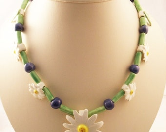 Vintage Ceramic daisy necklace