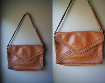 Vintage 70's Satchel Tan Leather Satchel Envelope Purse Boho Satchel Tan Satchel Brown Satchel Shoulder Bag Leather Purse Leather Bag Large