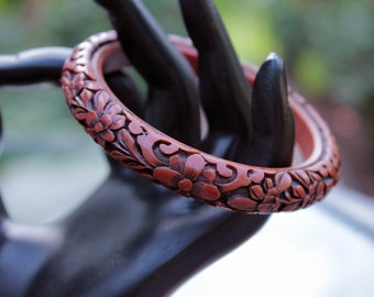 Cinnabar Style Bangle with Floral Design