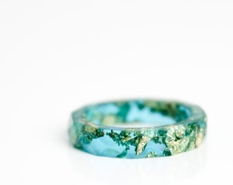 vivid aque blue and gold size 5.5 thin multifaceted eco resin band ring