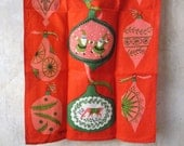 Vtg Virginia Zito kitchen towel / linen / Christmas holidays Shiny Brites ornaments / excellent condition