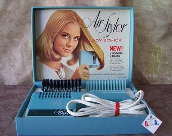 Vintage 1970s Lady Schick Air Styler hair dryer.   C2-383-5