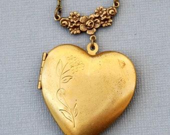 Locket,Large Brass Heart Locket,Brass Locket, flower locket,Leaves, heart locket necklace,photo locket -  Wedding Locket
