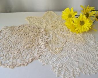 Vintage Doilies Pinwheel White Snowflake Cream Round Ecru Crochet Doilies Set of 3 Centerpiece Doilies 1970s