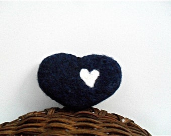 Catnip cat toy Heart, needle felted