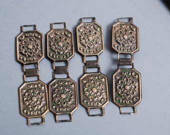 Set of 4 Vintage plates, metal connectors, floral decor