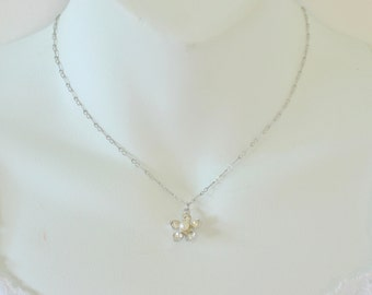 SALE 10 PERCENT OFF Vintage Sarah Coventry Silvertone Flower Pendant Clear Crystal Rhinestone Faux Pearl Chain Silver Tone Necklace