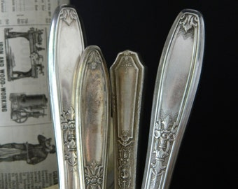 Vintage Knife Collection. Silverware Lot. Silverplated.