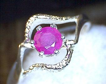 Stunning Ruby Swirl Ring