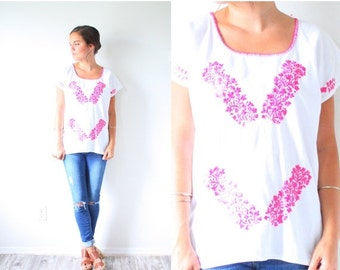 20% OFF BIRTHDAY SALE Vintage pink embroidered floral top // navajo blouse // Mexico embroidered top // festival style // floral boho bohemi