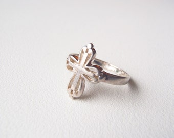 Gothic Cross Ring Sterling Silver Size 6-1/4 Vintage Delicate Crucifix Ring Signed CG 925 CG Creations Christian Jewelry Latin Cross