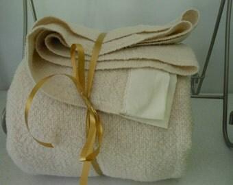 Vtg FARIBO Blanket Off White Acrylic