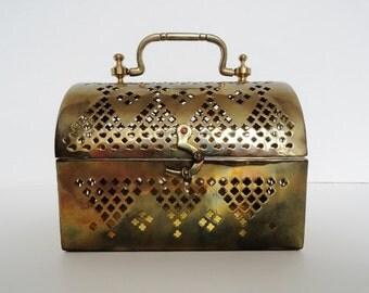 Vintage Brass Filigree Box Purse Art Deco Brass Metal Box Purse  Vintage Brass Box Purse  Little Gold Trinket Purse