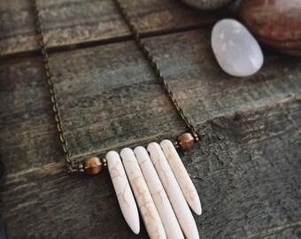 NOMAD'S LATTICE - Cream Howlite Spear Necklace