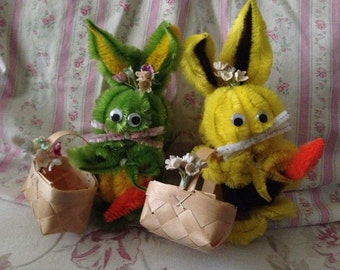 Vintage Kitschy Pipe Cleaner Little Bunnies - Rabbit Easter