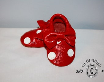 SALE WOW! Mickey and Minnie this listing is for MINNIE Mouse 100% genuine leather baby moccasins Mocs moccs top quality, first birthday,