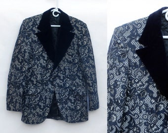 SWANKY Vintage 1960s 1970s Blue white Grey Brocade Velvet TUXEDO Jacket Coat. Smoking Jacket. 4OR 40L