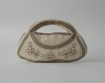 Vintage Purse, 1930s Purse, Vintage Handbag, 1930 Handbag, Glass Beaded Purse, Small Vintage Clutch, Art Deco Purse, White and Silver Clutch