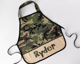 Camo army Kid's girl boy pocket personalized name school play apron smock for toys, cooking tools, art supplies - for children 12m to 8