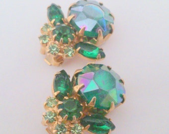Vintage Green Aurora Borealis Prong Set Rhinestone Earrings